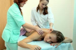 массаж шейно-воротниковой зоны